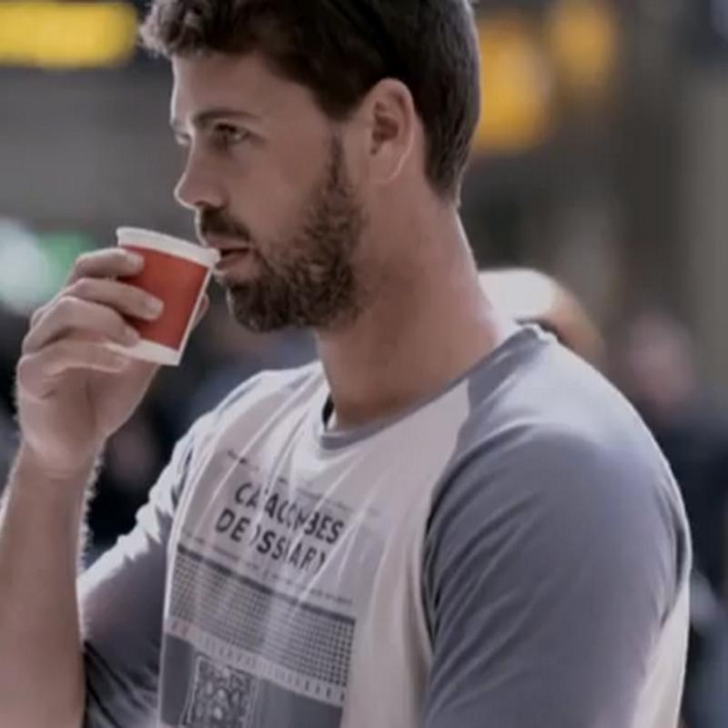 Douwe Egberts cambia bostezos por café