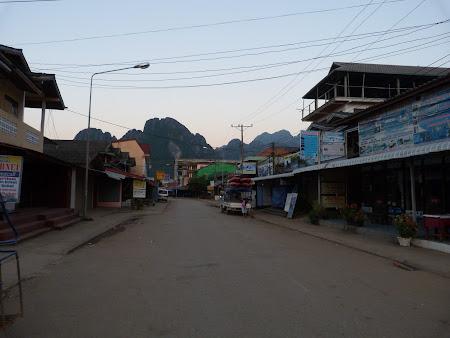 Imagini Laos: Vang Vieng pustiu