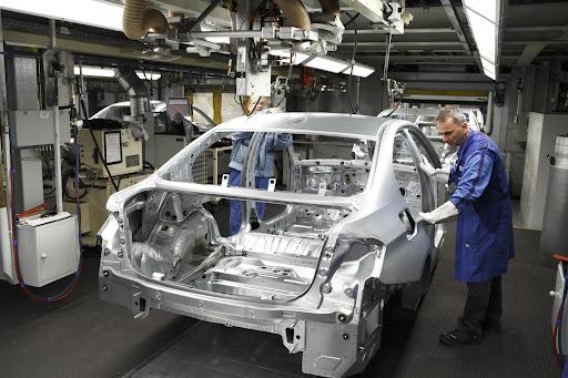 2012-BMW-3-Series-13.jpg