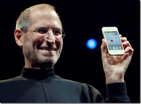 Steve-Jobs-and-White-iPhone-4