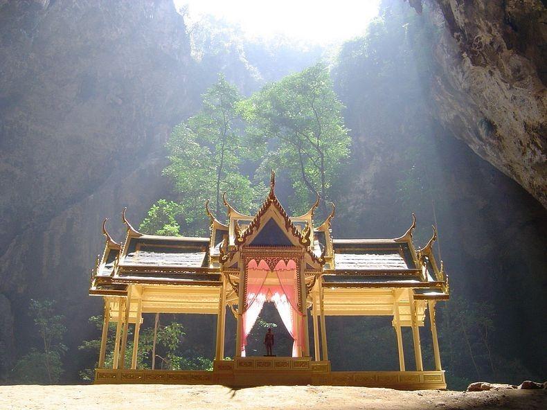 phraya-nakhon-cave-4