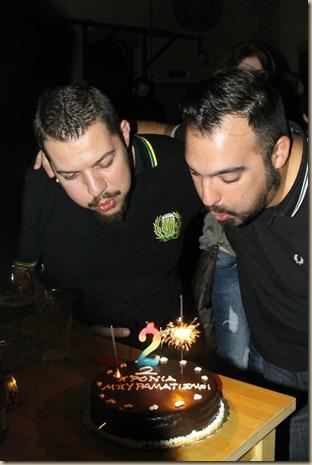 2_years_beeramatismoi_@_Local_Pub_Birthday_Cake_BeeRocker-Monk_candle
