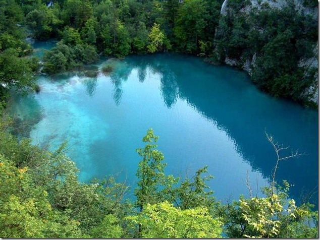 amazing-waterfalls-of-plitvice-lakes-in-croatia-8