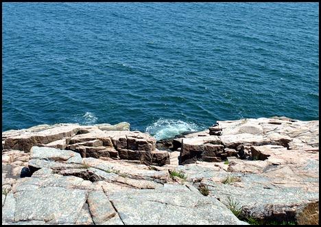 02d2 - hiking Ocean Path - Oops where'd he go