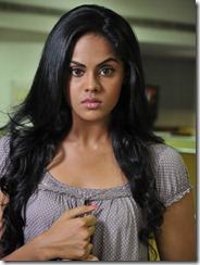 karthika_in_nightyl_photo