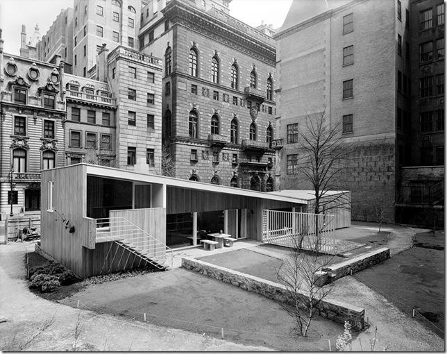 Ezra Stoller_House in MoMA Garden, Marcel Breuer, New York, NY, 1949