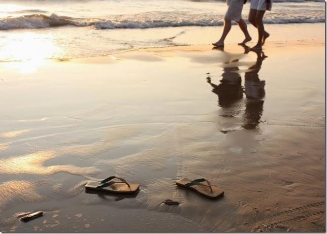 Caminando-por-la-playa-700x500