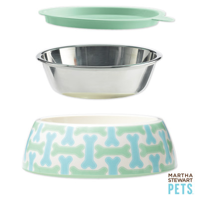 How ingenious is this Martha Stewart for Petsmart water and food bowl set? Stackable, spill-proof, and cute! (www.petsmart.com)