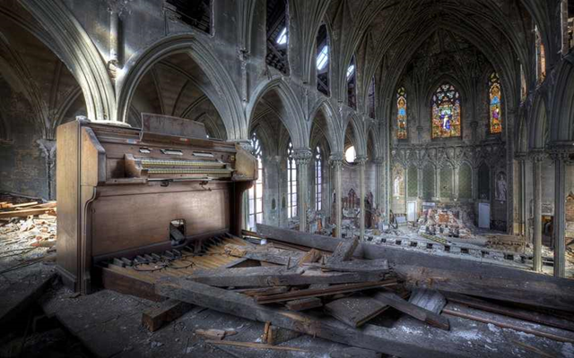 Church of the assumption, Philadelphia, part of a snapshot of history documenting abandoned America and the decline of a superpower, posted 13 June 2013. Photo: Matthew Christopher / CATERS