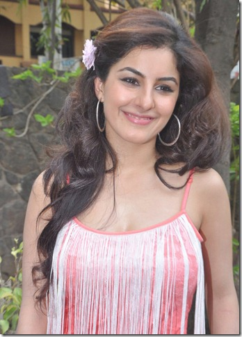 Isha Talwar New Images @ Thillu Mullu 2 Press Meet