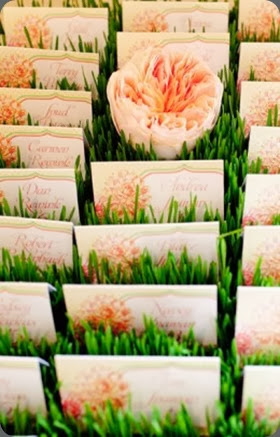 seating card table mlfaves_2181-260x390  modern day floral