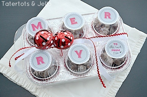 jingle merry treat idea at tatertots and jello