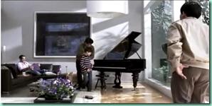 la_otra_familia_piano