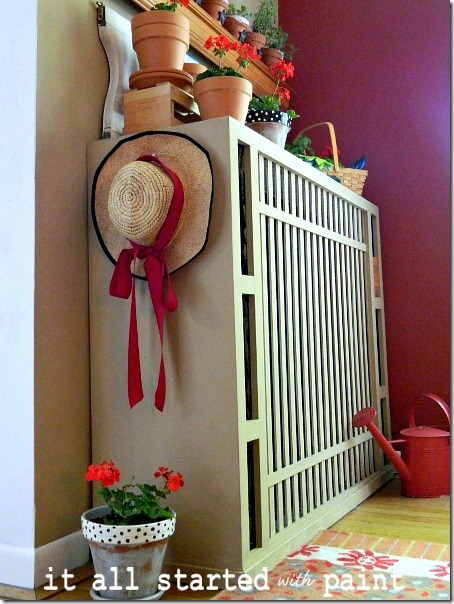 potting_bench_summer_mantel_straw_hat