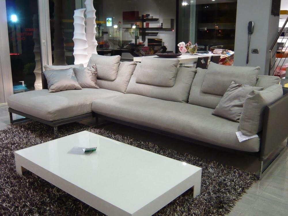 Saba divani mod livingstone visibile nella nostro show for Arredo salotti e soggiorni