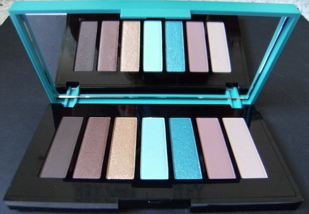 Shaka Sand eyeshadow palette
