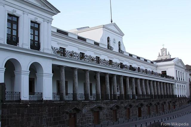 800px-Carondelet_-_Quito