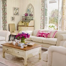 Vintage decorating ideas for a living room | Lavender & Twill