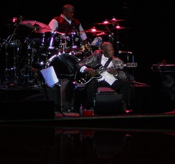 B.B. King performing at the Bakersfield Fox Theater