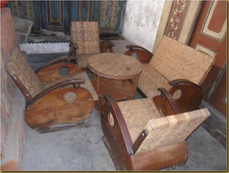 Kursi becak  atau kursi sedan antik, anyaman rotan, dudukan nyaman