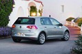2013-Volkswagen-Golf-7-30