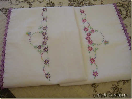 lazy daisy pillow set