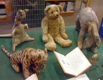 -The_original_Winnie_the_Pooh_toys