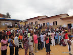 Files d'électeurs dans un centre de vote à Matadi (Bas-Congo), lors du scrutin présidentiel et législatif du 28 novembre 2011. Radio Okapi