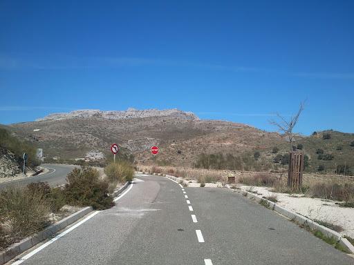 På vei mot byen Ronda gjennom Andalusias fjell.