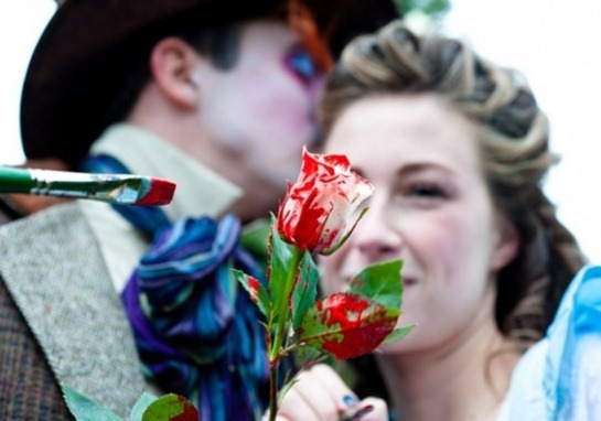 alice-in-wonderland-engagement-photos-02-580x385