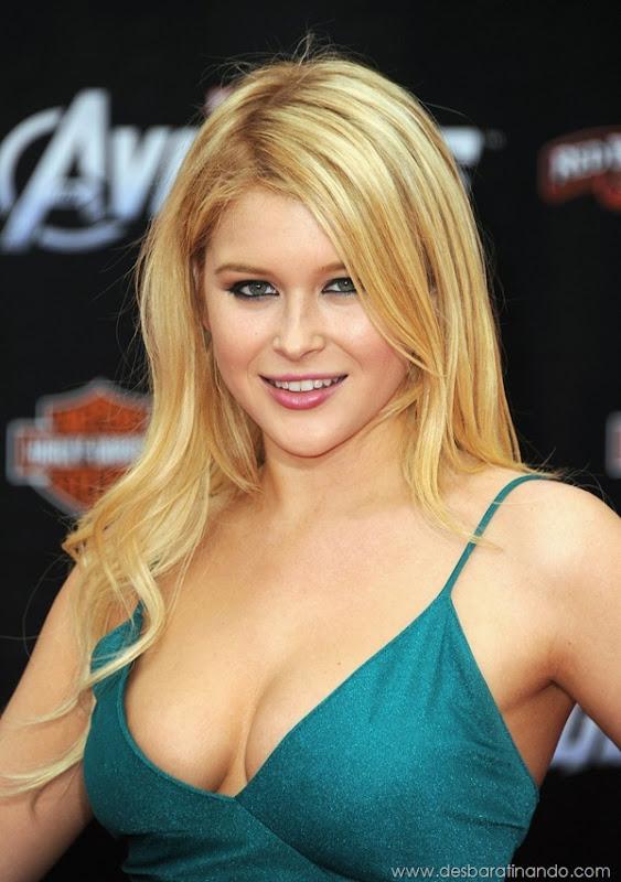 renee-olstead-linda-sexy-sensual-photoshoot-loira-boobs-desbaratinando-sexta-proibida (53)