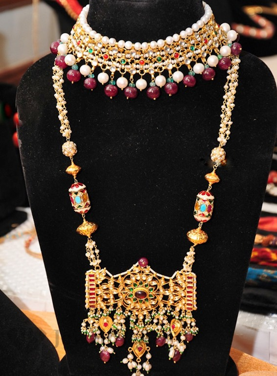 [Art_Karat_Temple_Jewelery%2520%252811%2529%255B4%255D.jpg]