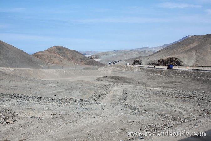 La cordillera de Los Andes nos acompaña todo el viaje