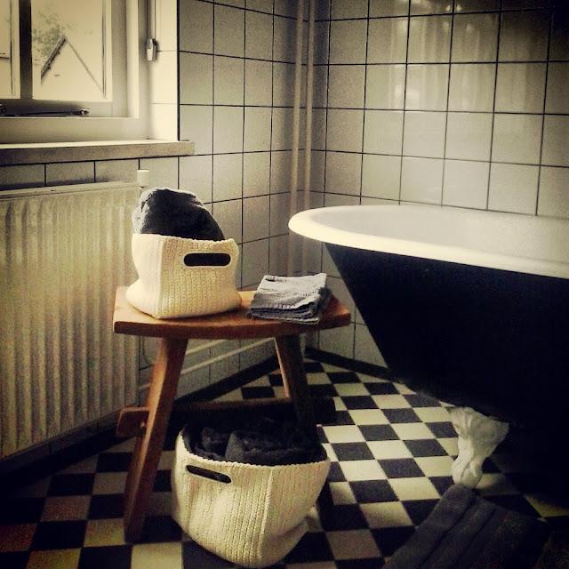 Landelijk en puur wonen een aantal foto 39 s van onze eetkamer badkamer en woonkamer - Eetkamer en woonkamer ...