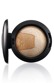 DivineNight-MineralizeEyeShadow-Captivating-300_thumb[5]