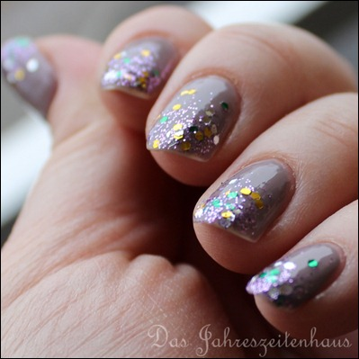 Glittery Tips 3