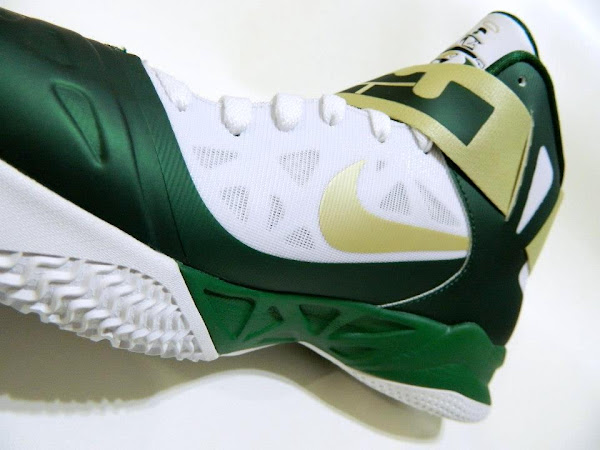 Detailed Look at Nike Zoom Soldier VI SVSM 8220Fighting Irish8221 PEs