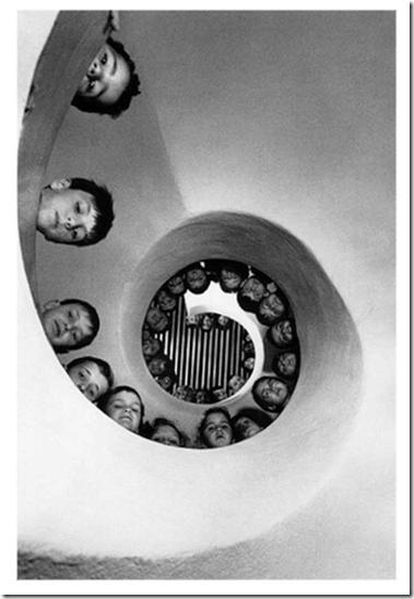 Henri Cartier-Bresson escada observatório