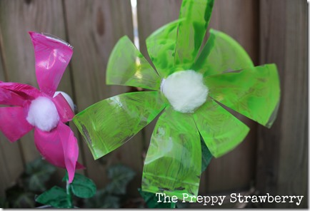 Recycled Flower Garden {The Preppy Strawberry}