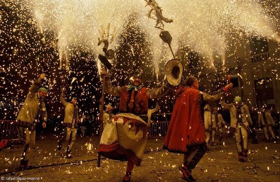 Ball de Diables de Tarragona. Enterrament del Carnestoltes. Carnaval. Tarragona, Tarragonès, Tarragona 1999.09