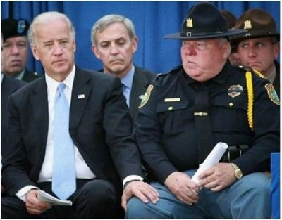 joe-biden-touch-cops-knee-e1287971282247