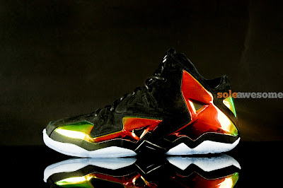 nike lebron 11 nsw sportswear ext kings crown 1 05 Detailed Look at Kings Crown LeBron 11 EXT (677693 001)