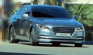 2014-Hyundai-Genesis5[01]