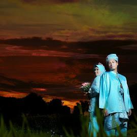 Malaysian Wedding by Kesan Khas - Wedding Bride ( malaysian, explore, malay wedding, wedding, dark, interesting, bride, people, portrait, colours )