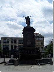 2012.06.05-031 fontaine d'Urbain II