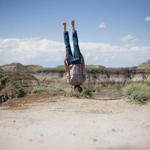 upside-down-self-portraits-stephen-caulton-morris-desbaratinando (15)