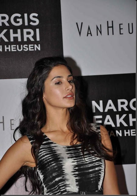Nargis Fakhri named brand ambassador of 'Van Heusen Woman'29