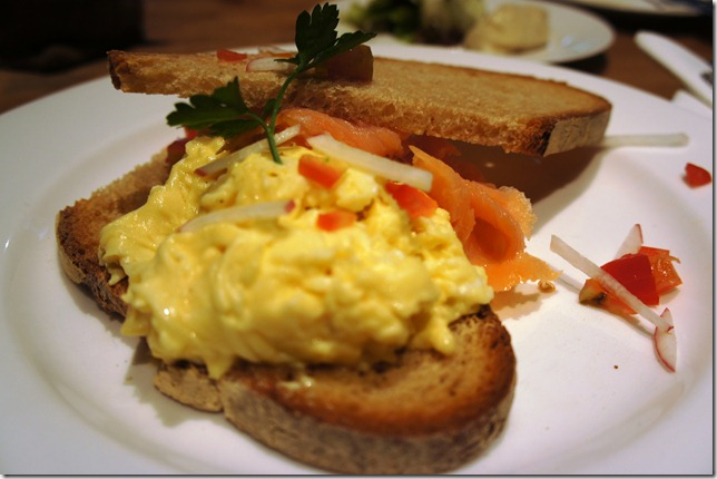 eggs at LPQ Bandra