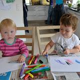 Før festen - Kusinerne tegner