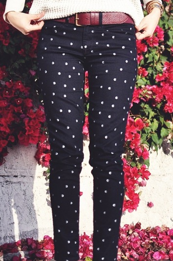 fashion_blogger_slovenian_slovenska_blogerka_ssfashionworld_ss_fashion_world_friday_favorites_fashion_pants_polka_dots_jeans_cute_white